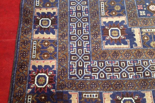 Hoyles_Cleaning_rugs-1
